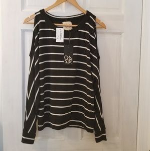 NWT Chasor Cold Shoulder Top Small